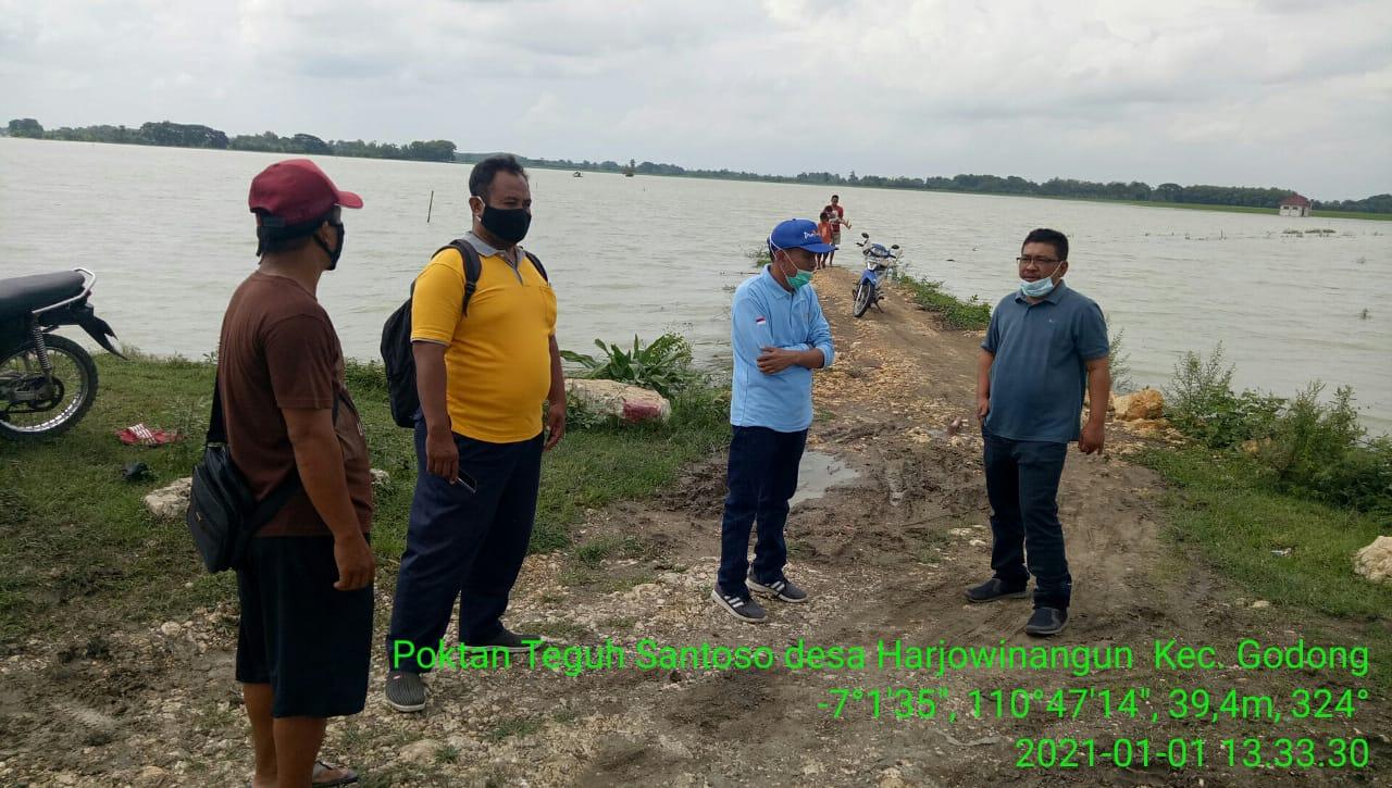 Mengawali Tahun 2021, Plt Kadistan Tinjau Banjir di Kecamatan Godong